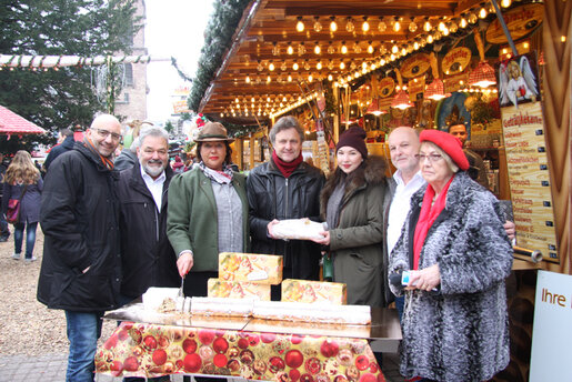 Weihnachtsmarkt_Christstollen